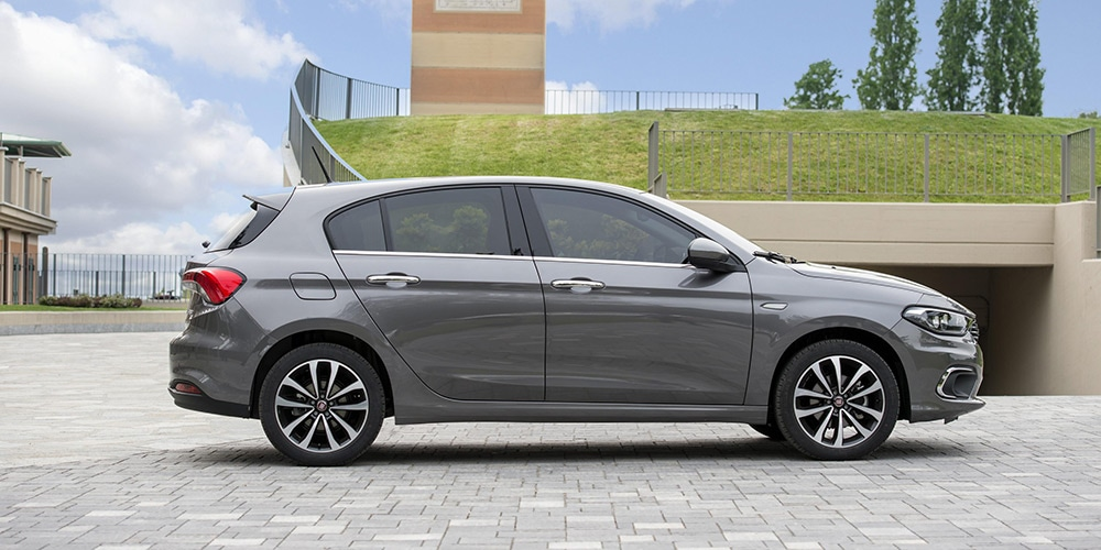 side view of a grey fiat tipo