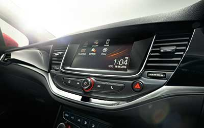 Photograph of the Vauxhall Astra Onstar Tech in use.