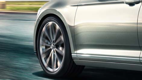 VW Passat | Adaptive Chassis Control